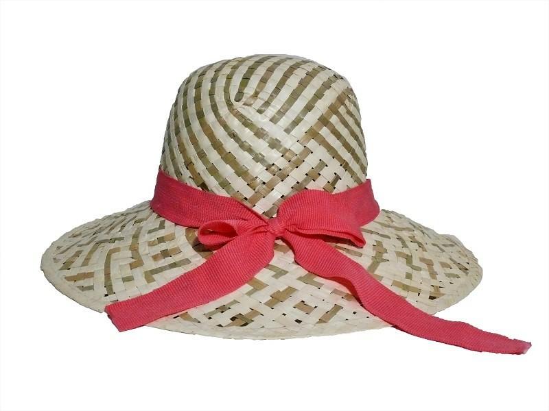 Slaměný klobouk s růžovou stuhou 485d3d3842
